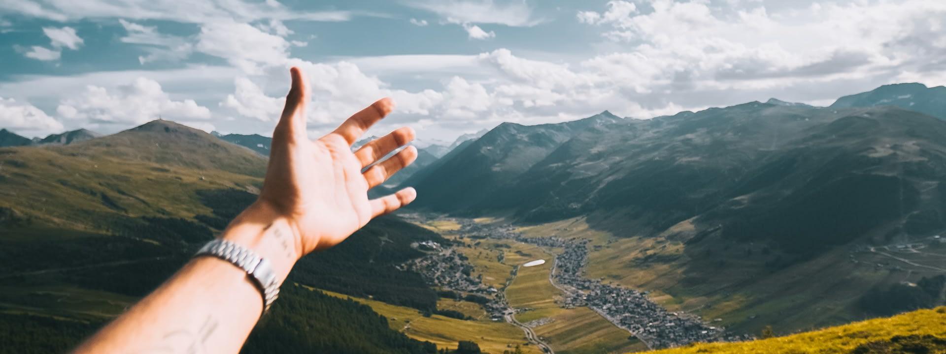 Paesaggio mozzafiato dal Crap de la Parè sulla valle di Livigno
