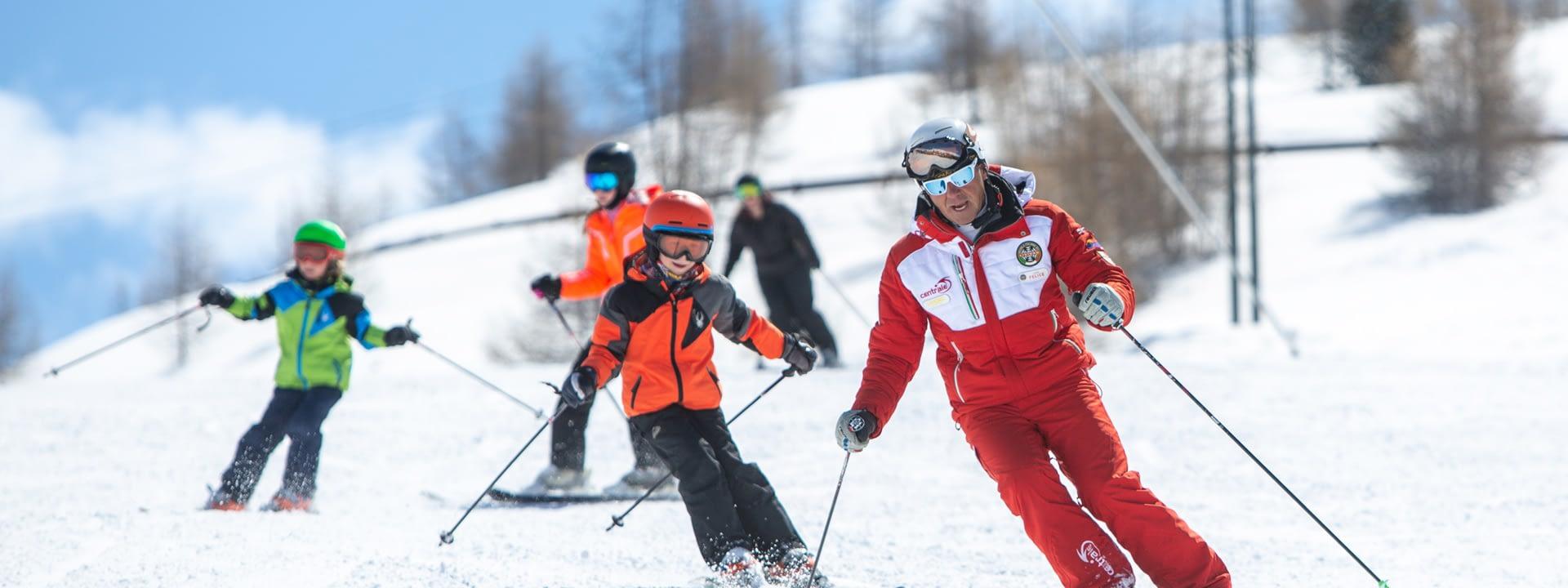 Lezione di sci con maestro della Scuola Sci Centrale di Livigno sulle piste della ski area Mottolino