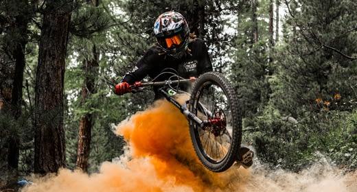 Evoluzioni ed adrenalina per pro sul Mottolino Bikepark