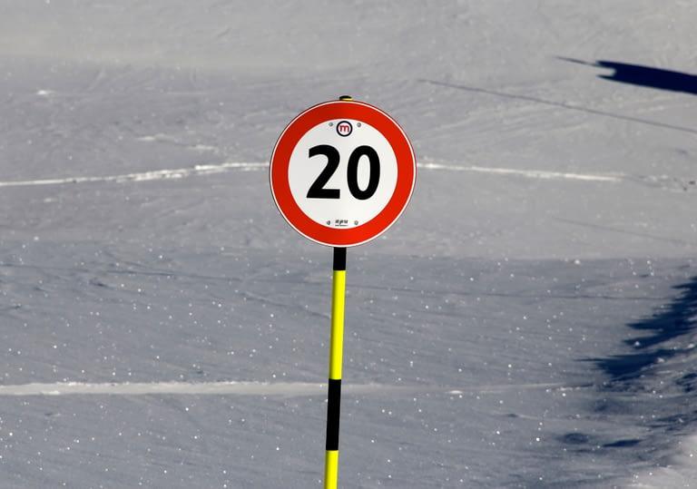 limite di velocità per snowboard e sciatori
