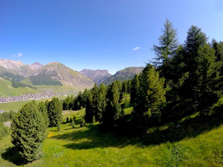 Vacanze a Livigno, natura incontaminata sulle Alpi