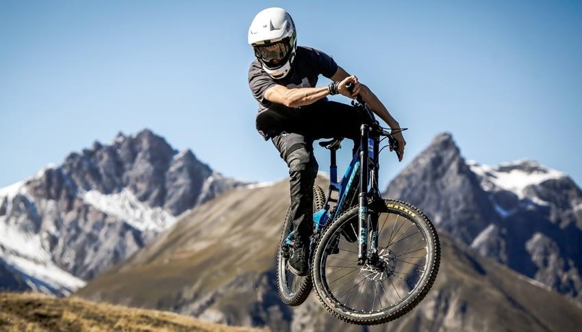 Noleggio bici downhill super exclusive adulto al Dr. Rent di Mottolino a Livigno