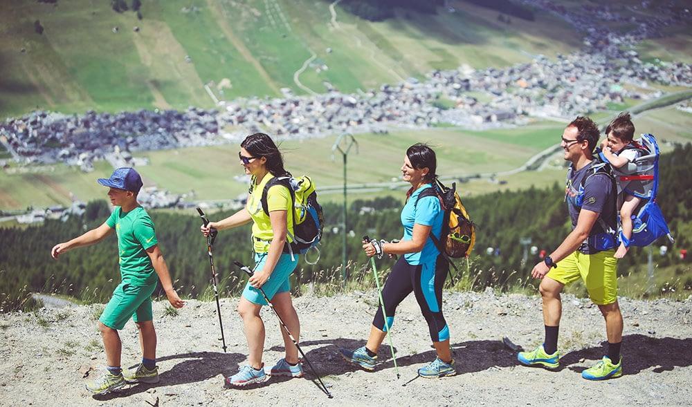 Panoramica di Livigno durante escursione estiva