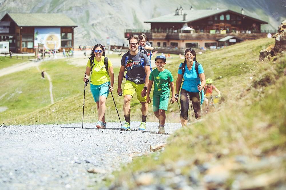 Escursioni a piedi e mountain bike sulle Alpi
