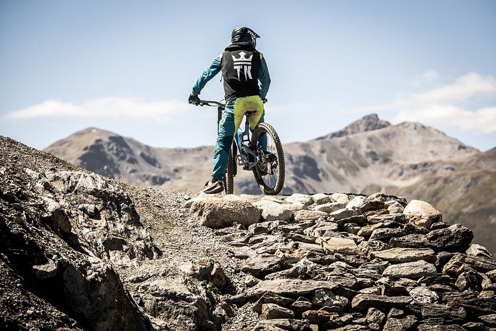 Sport e adrenalina per i riders sulle Alpi