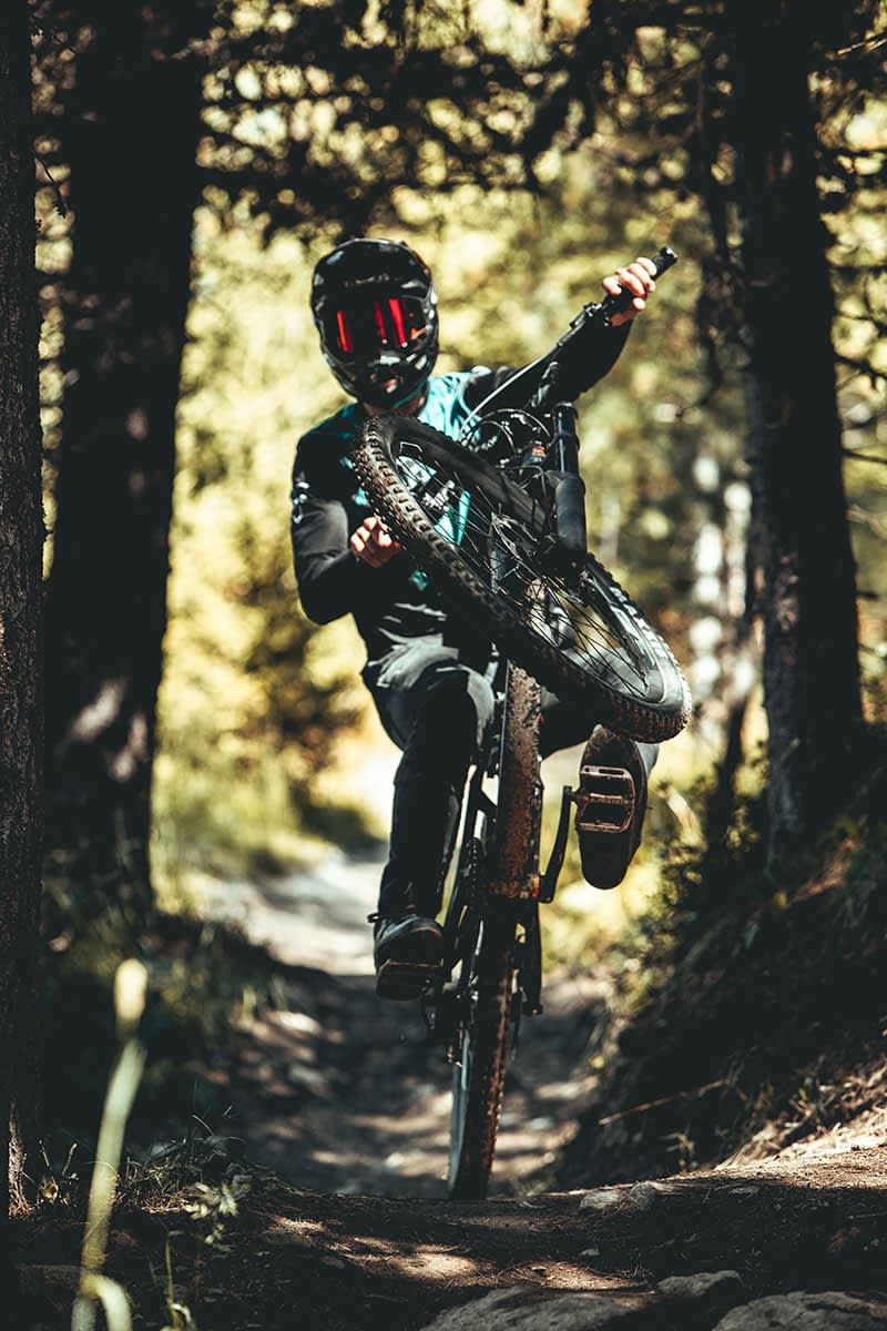 Rider su un tracciato del Mottolino Bile Park