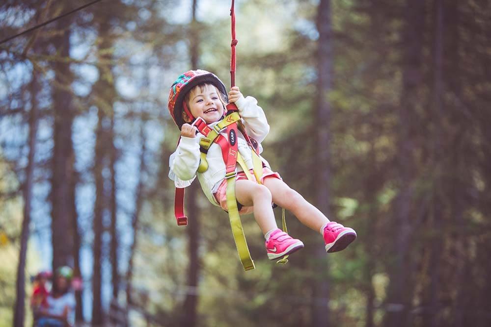 Bambini che giocano presso Larix Park