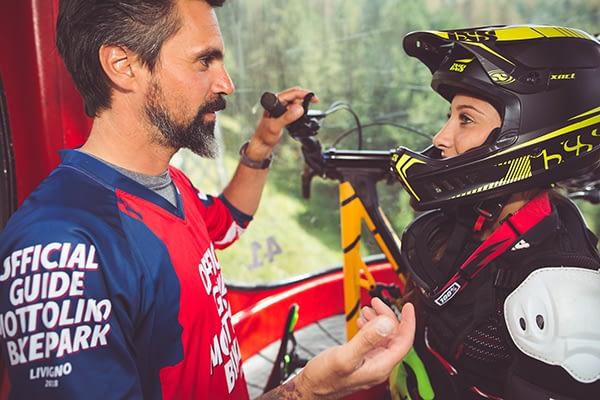 lezioni fra guide esperte e principianti al Mottolino Bikepark