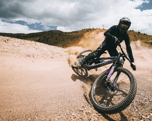 Biker parabolica pista Mottolino Bikepark Livigno