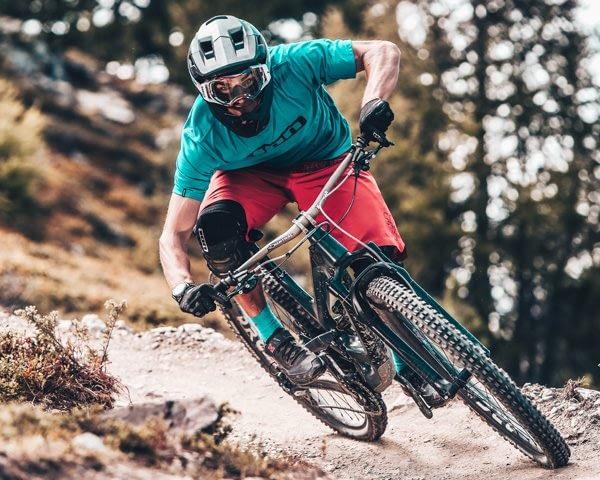 Biker esperto al Mottolino Bikepark