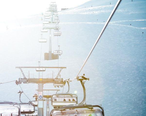 Vista sulle Natural Moguls dalla seggiovia Valfin nella ski area Mottolino a Livigno