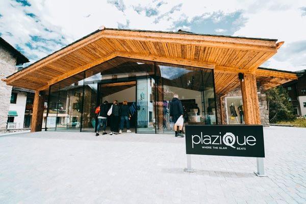 Veduta esterna del negozio Plazique a Livigno